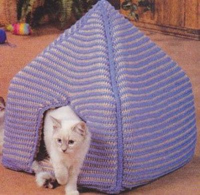 Crochet Kitty Koozie Cat Bed Crochet Ideas And Tips Juxtapost