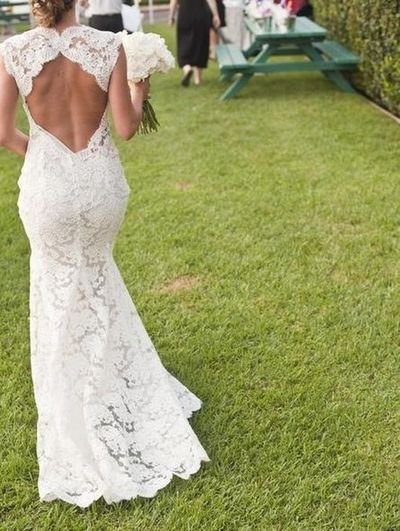MONIQUE LHUILLIER SCARLET Backless wedding gown low back ...