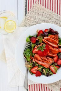 Grilled Salmon Strawberry Salad