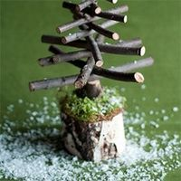To make these Twiggy Christmas Trees check out this fun and easy tutorial!