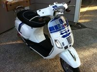 Star Wars R2-D2 Vespa 1