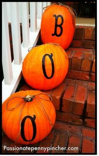 """BOO"" Pumpkins: http://passionatepennypincher.com/2011/10/the-friday-fluff-up-boo-pumpkins-just-10-including-modge-podge/"
