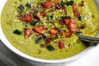 Spinach Avocado Soup with Thyme and Fresh Lemon Juice #Raw #Vegan #Vegetarian