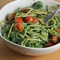 creamy spinach and avocado spaghetti with roasted tomatoes