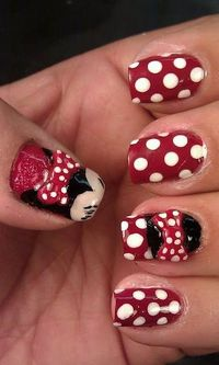 #NAILS. Minnie Mouse Nails