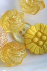 vintage buttons in buttercup