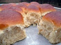 Soft Fluffy Sweet Dinner Rolls you can Make Ahead of Time/dcc