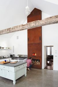 wood burning oven (pizzas!!)
