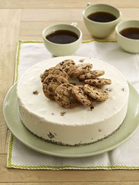 Who says you cant have ice cream cake in January? Try this CHIPS AHOY! Ice Cream Cheesecake.