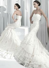 beautiful dresses at very affordable prices.