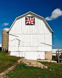 Blazing star barn quilt