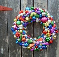 Ornament wreath. Too cute and super easy!