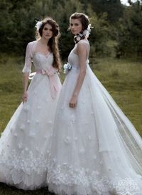 Chic-Sweetheart-Neckline-Empire-Waist-White-Lace-Wedding-Dresses-With-Colored-Sash.jpg 400�—545 pixels