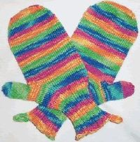 Free #knitting pattern for rainbow mittens. #kids