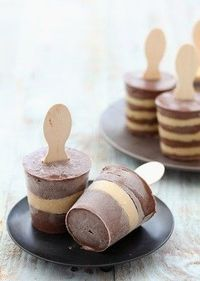 chocolate and salted caramel pudding pops - Click image to find more hot Pinterest pins